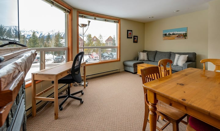 Ski in condo with great views at Timberline Condos