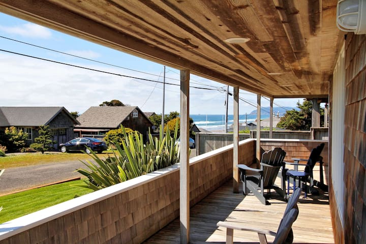 Wavescape  -  Amazing master suite view, just steps away from the beach