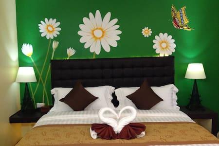 Heritage Tropical Resort @ Muang Nakhon - Nakhon Si Thammarat - Bed & Breakfast