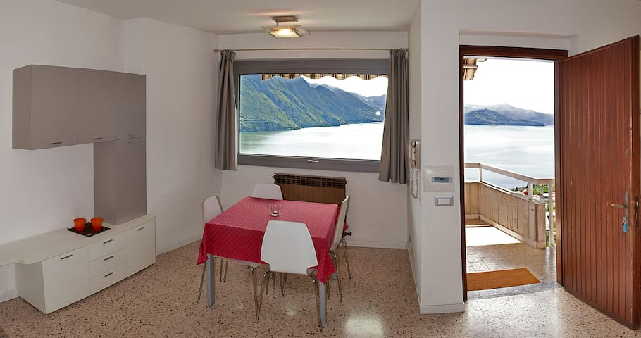 Apartment in a house with garden and lake view - Riva di Solto - Lägenhet