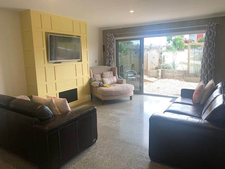 Boutique guest house - new, modern, private!