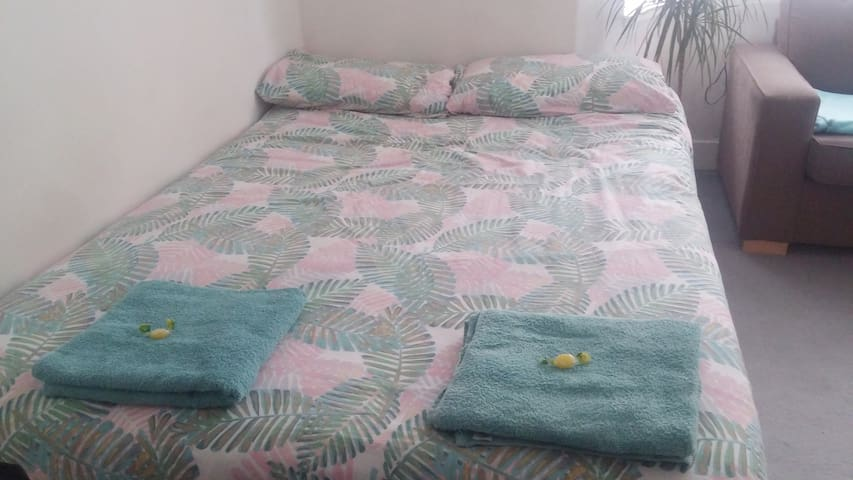 Cute and Comfy Bedroom 1 min from Waterloo station