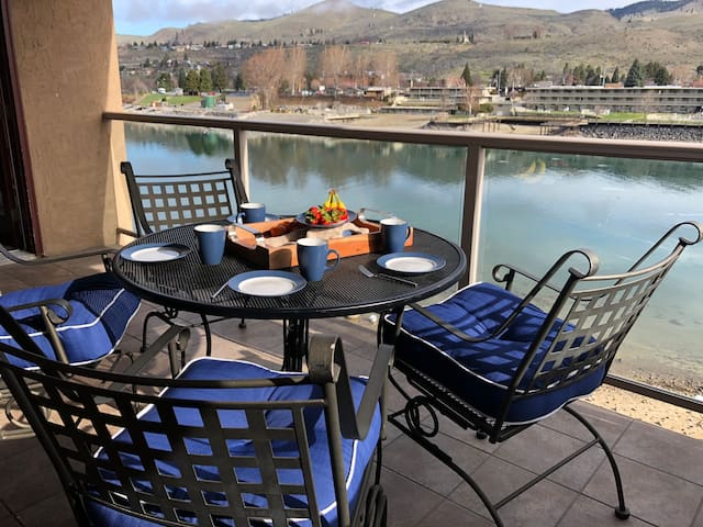 Grandview Lakefront Presidential 3 Bedroom Condo