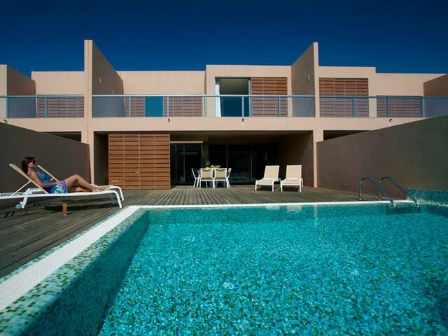 Enner Green Villa, Herdade dos Salgados, Algarve - Guia - House