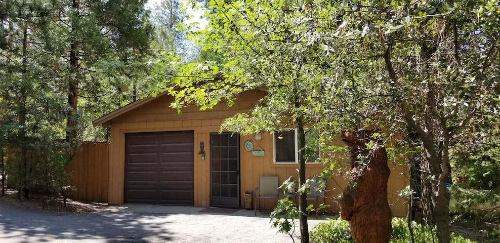 Wonderful Guest Cabin - 1 bed-1 full bath-kitchen