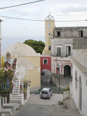 Antica casa Famiglia Scotti - 1736 - - Serrara Fontana - Appartement