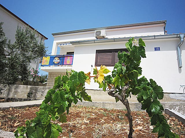 Vacation house Dalmato - Primošten - Huis