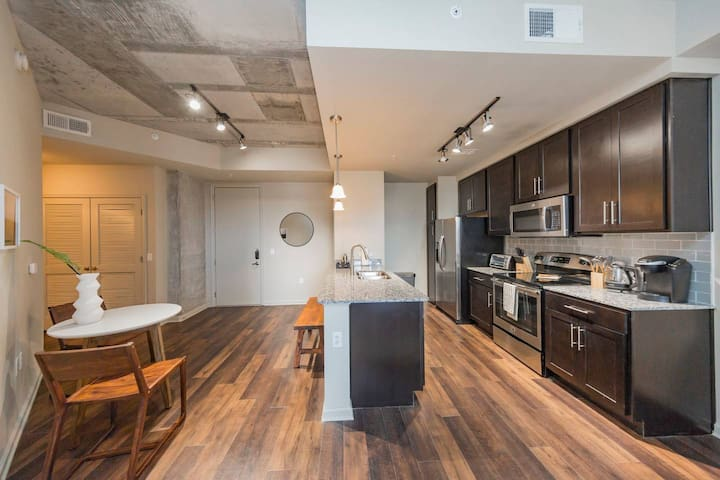 West End Condo with Southern Hospitality