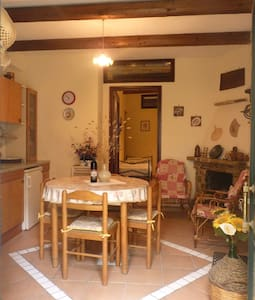 House in the Cilento is a few km from the sea - Stella Cilento - Byt