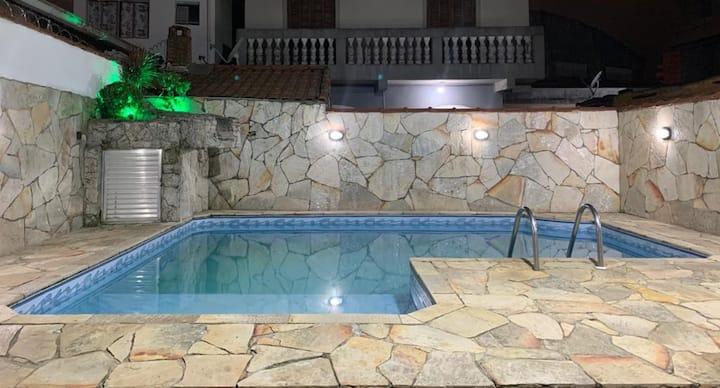 Casa Aconchegante,280m da Praia Piscina, Churrasq