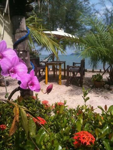 Sabai Sabai Seaview Bungalow 2 - Ko Phayam - Hütte