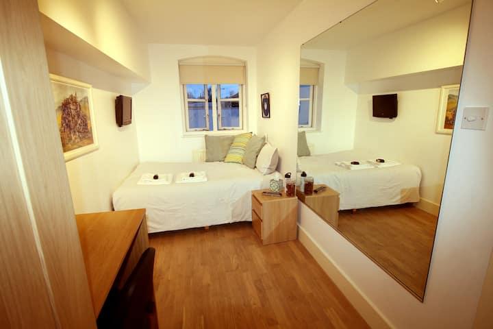 LESS THAN 1/2 PRICE Centrl Eurostar Double Room.