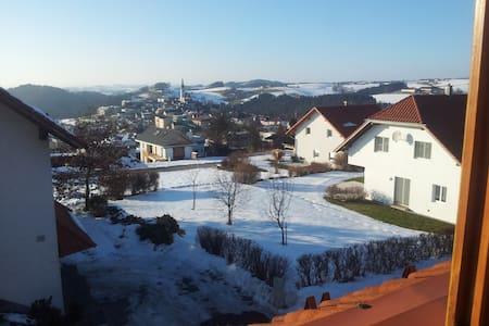 Wohnen mit Panoramablick - Türkstetten - Apartament