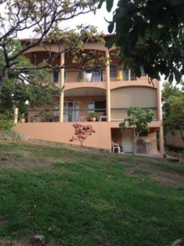 Casa Nirvana - Nature, Views, Privacy and Serenity