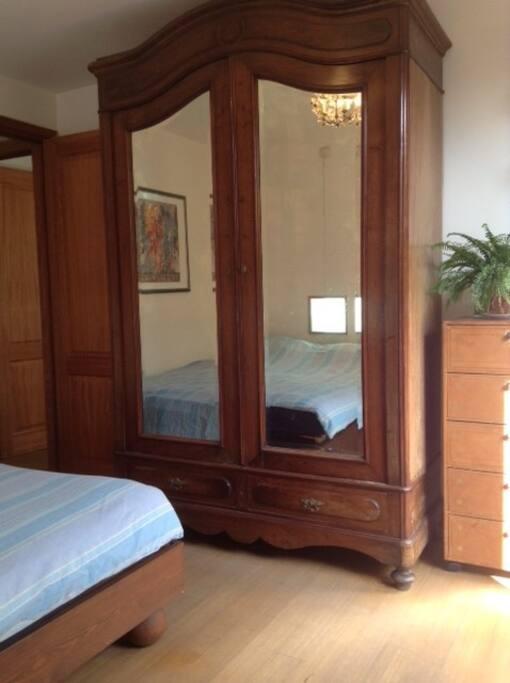 Bedroom with terrasse