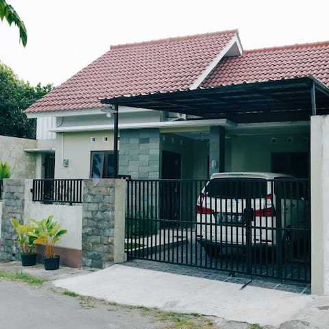 Valen's Home Stay