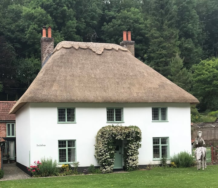 Large Thatched Grade 2 Cottage