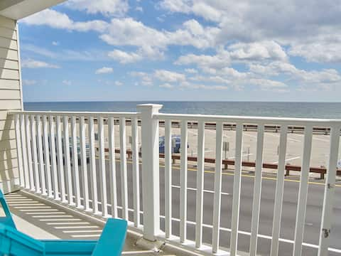 ATLANTIC BREEZE SUITES - OCEANFRONT 2 QUEEN BEDS