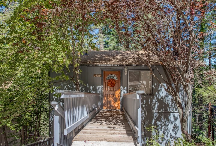 Hillside Retreat w/ a Gas Fireplace, Full Kitchen, & Furnished Deck