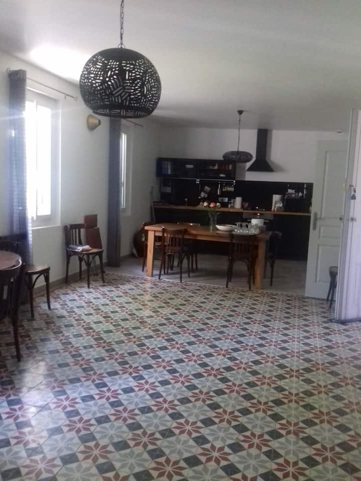 Dans maison vigneronne grand appart avec terrasse