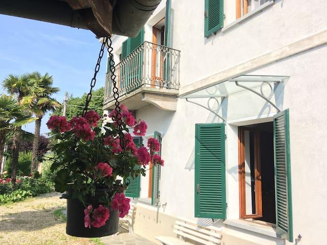 Villa Angiolina splendida panoramica Roero&Langhe