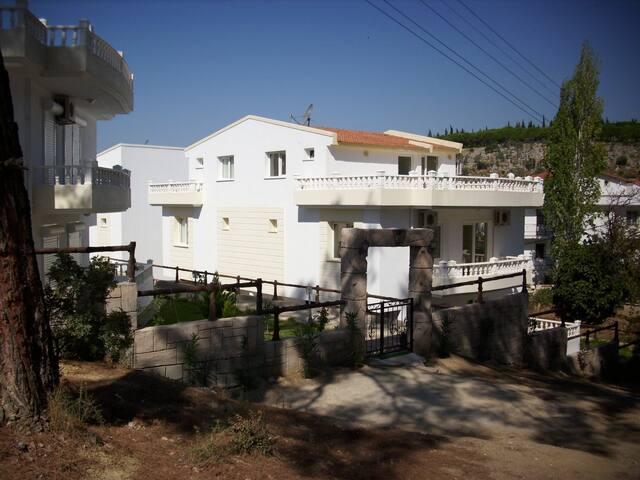Lækkert Sommerhus i 3 etage Özdere - Menderes - Cabin