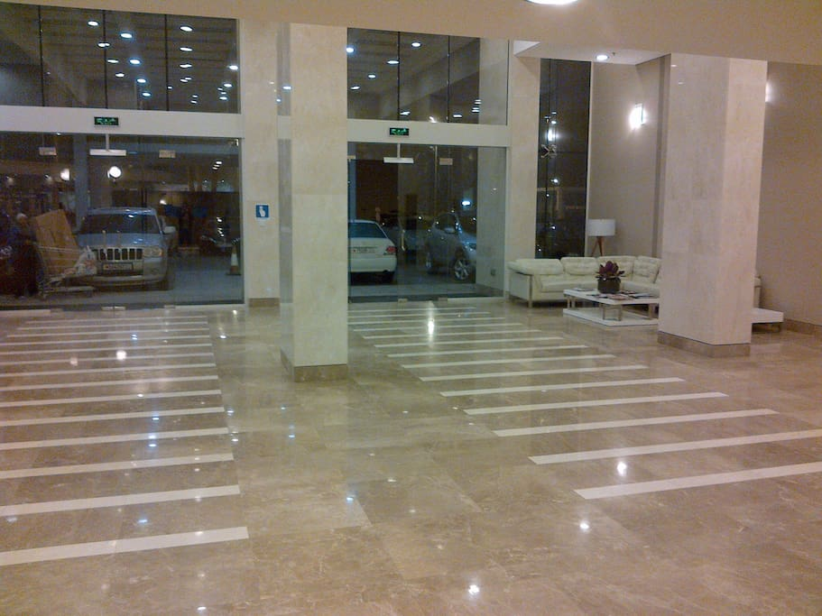 24 Hour reception area with security