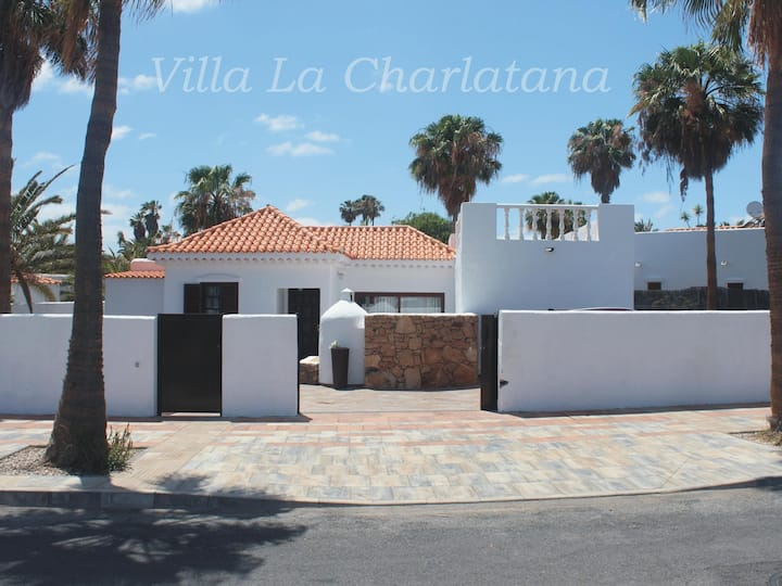 Villa Charlatana with pool