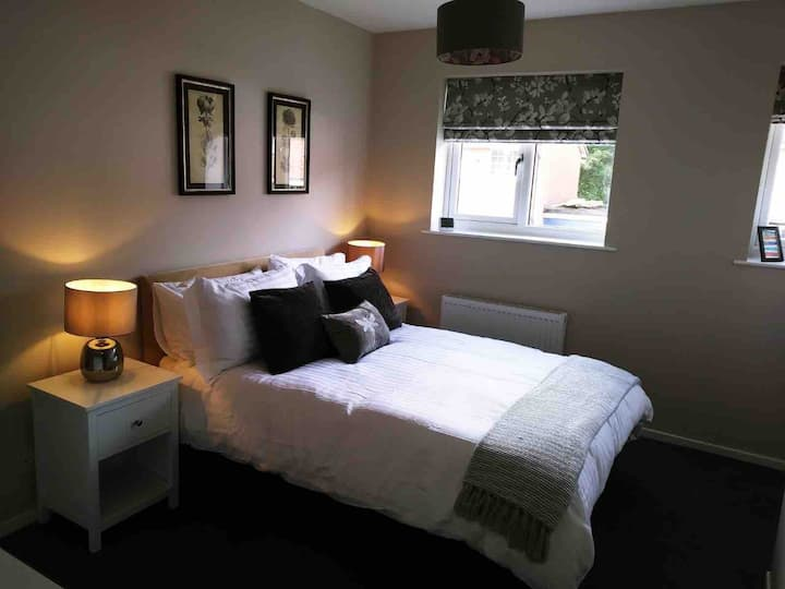 Immaculate Selly Oak Home- Cadbury's, Uni, QE City