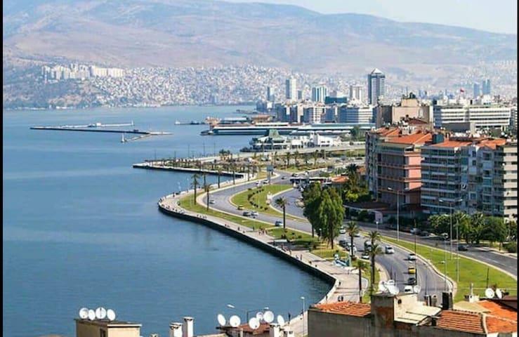 Cozy, Sweet, Historical House - İzmir/Konak/Konak - Departamento