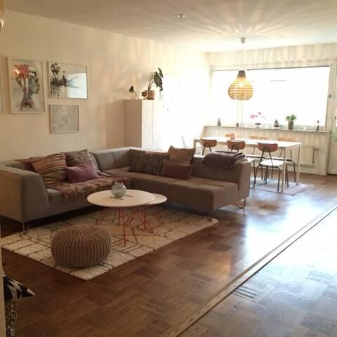 Spacious flat in cosy Södermalm - Stockholm - Lägenhet