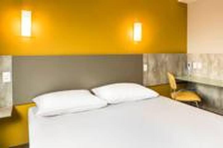 ShengYi hotel