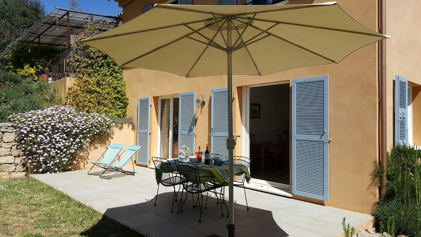 Sunny Garden Apartment with Pool (Family Friendly)