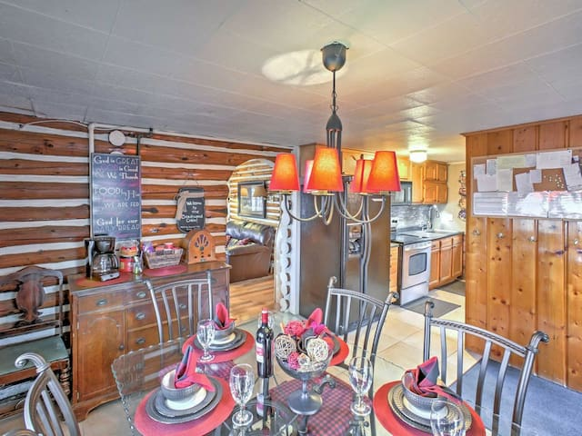 BEECHWOOD CABIN (Houghton Lake): Fall dates available!  Cozy, clean cabin!