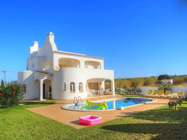 Villa Praia, with private pool - Albufeira - Maison de vacances