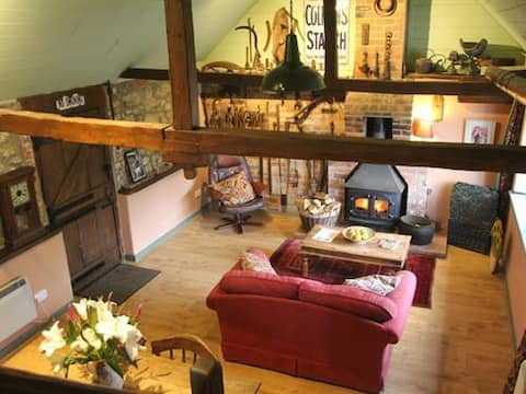 The Smithy Cottage - perfect honeymoon retreat!
