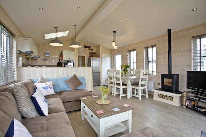 Salcombe Retreat Lodge