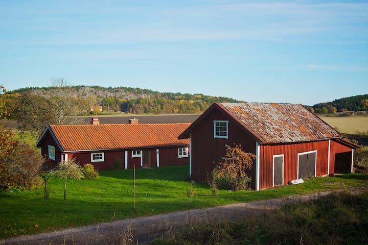 Charming cottage with fantastic nature - Nyköping S
