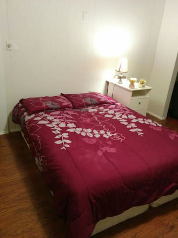 Cozy clean private room - Potsdam - Leilighet