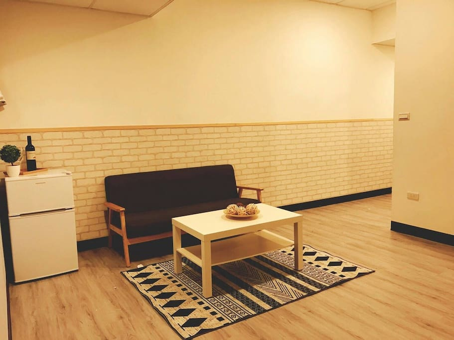 Newly furnished apartment.全新裝修的房子