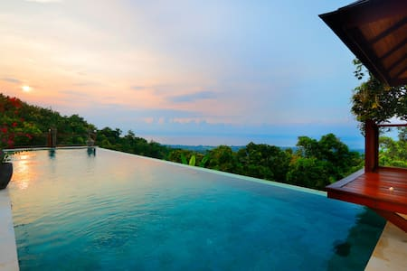 Fantastic Private Villa, 2 BR, Lovina, MONTHLY/ WEEKLY rental BIG PROMO