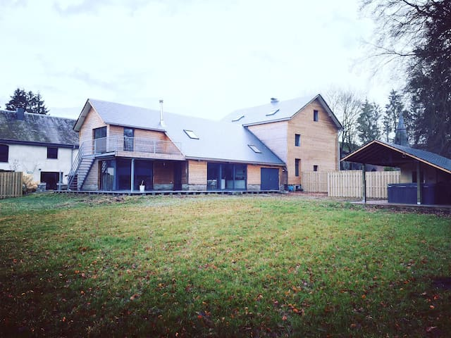 Lovely vacation house with jacuzzi & sauna - Vielsalm - House
