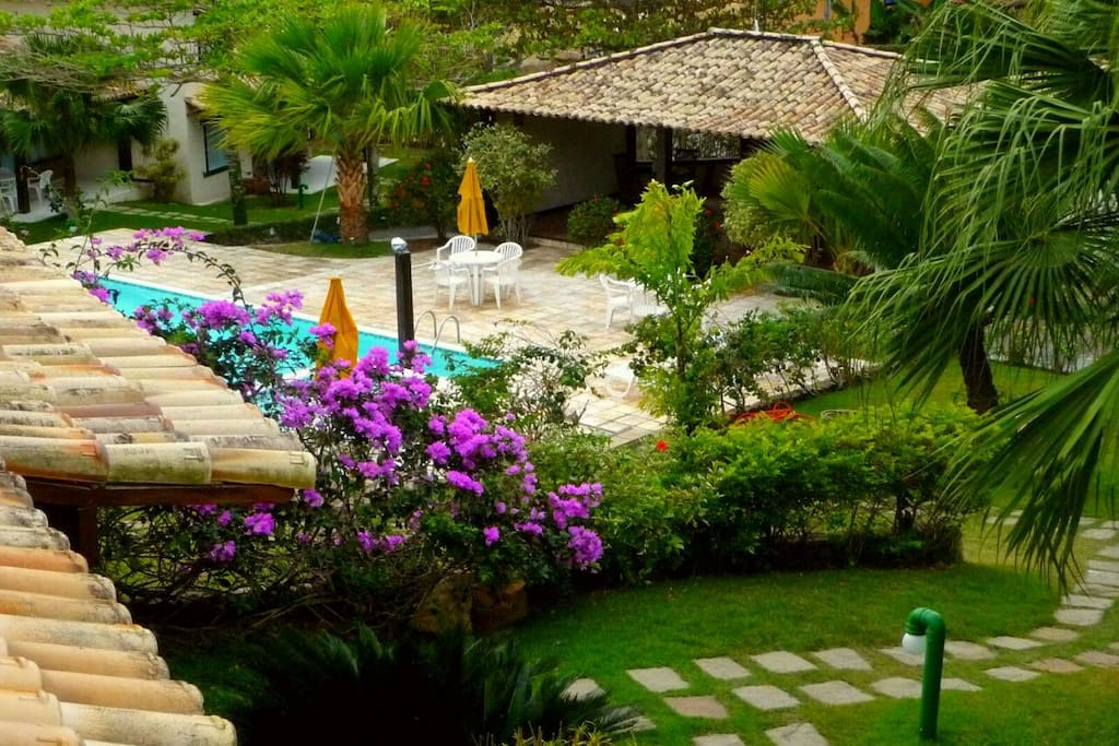 Jardines e piscina/Gardens and swimming pool