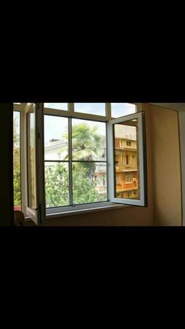Квартира-студия в Сухуме в 3-минутах от моря