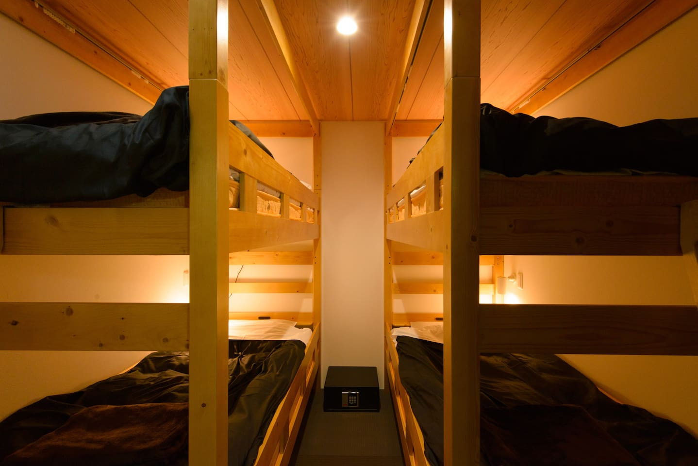 Compact 2 bunk bed. Max 4 people