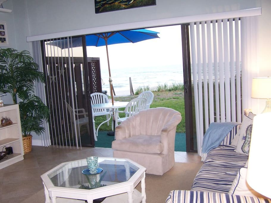 Beachfront Cottage Townhome with the ocean out your backdoor!