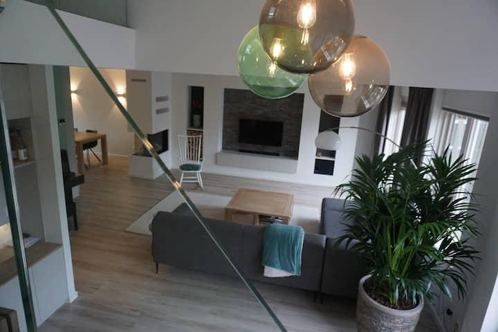 Comfortable modern villa near Zandvoort GP