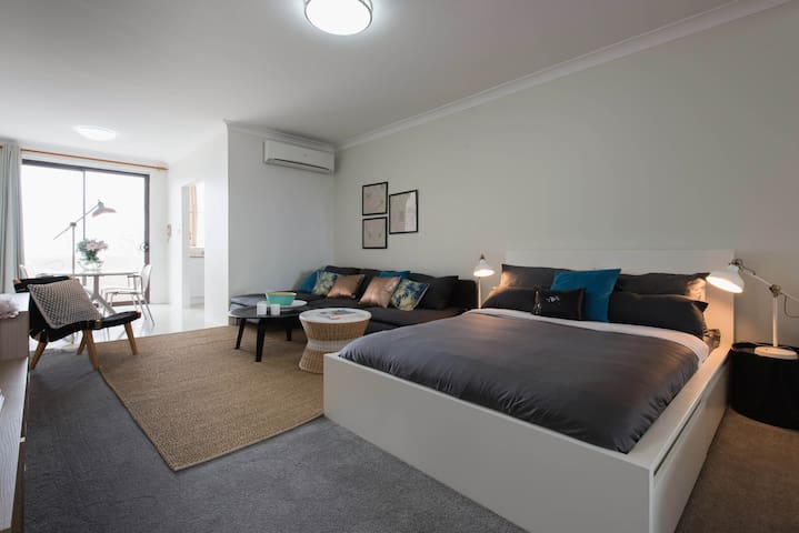 CoogeeBeachfrontApartmentw/Parking - Coogee - Flat