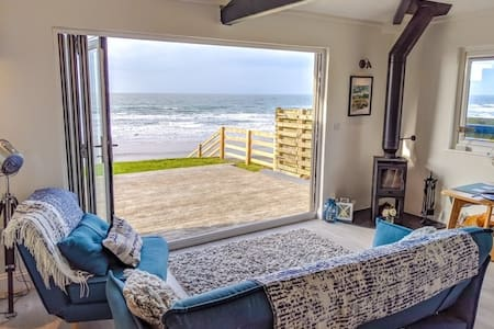 Brocklebank - Beachfront Chalet, Lake District