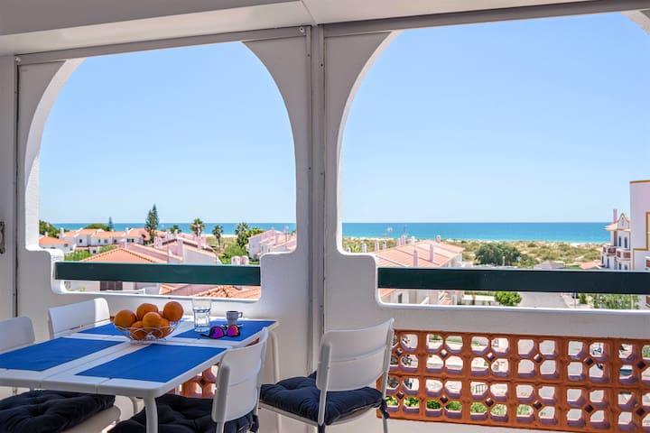 Excelente apartamento na praia da Manta Rota